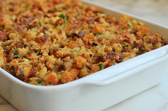 easy-sausage-and-herb-stuffing6-575x380